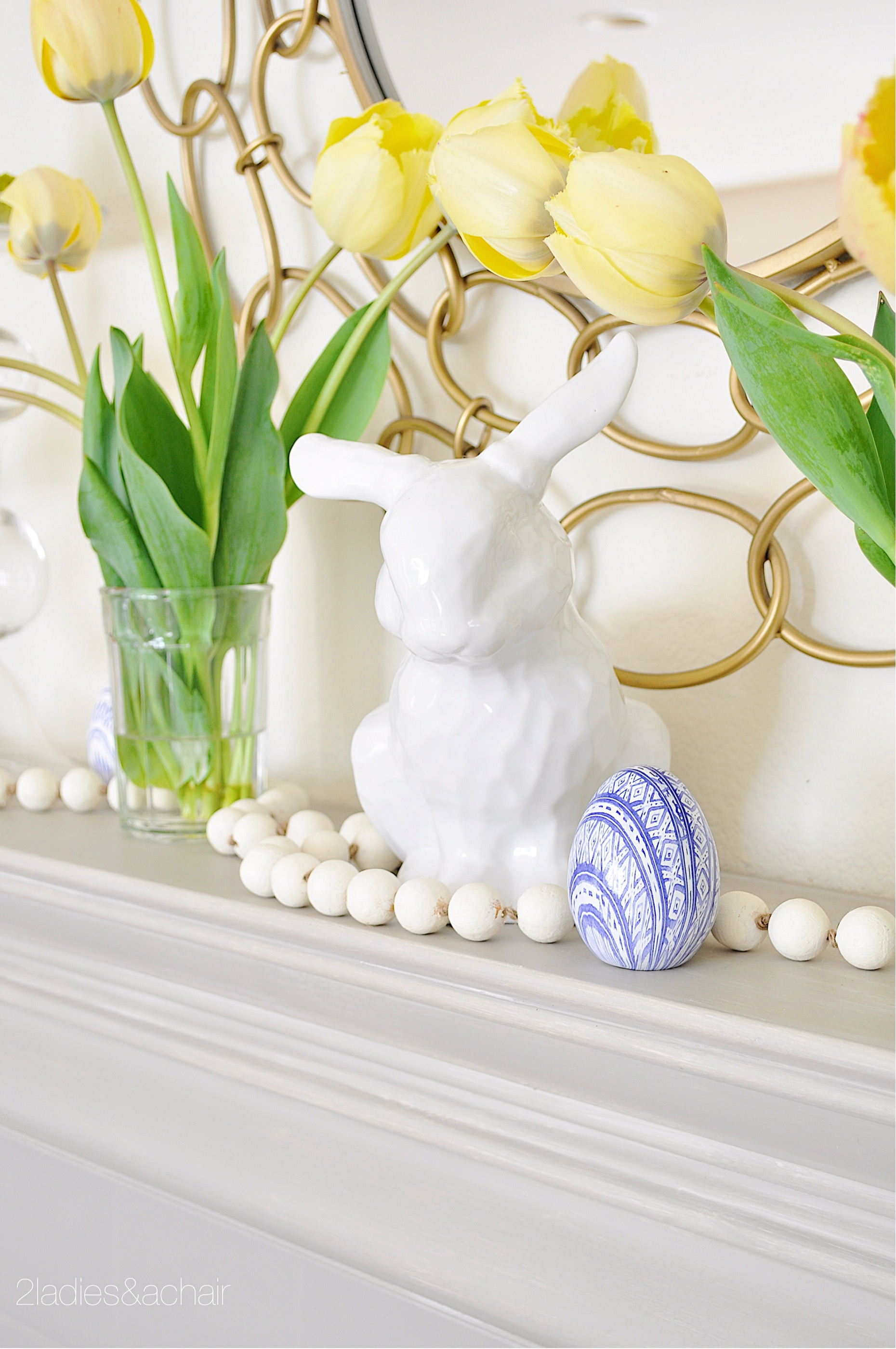 easter mantel decor IMG_1898.JPG