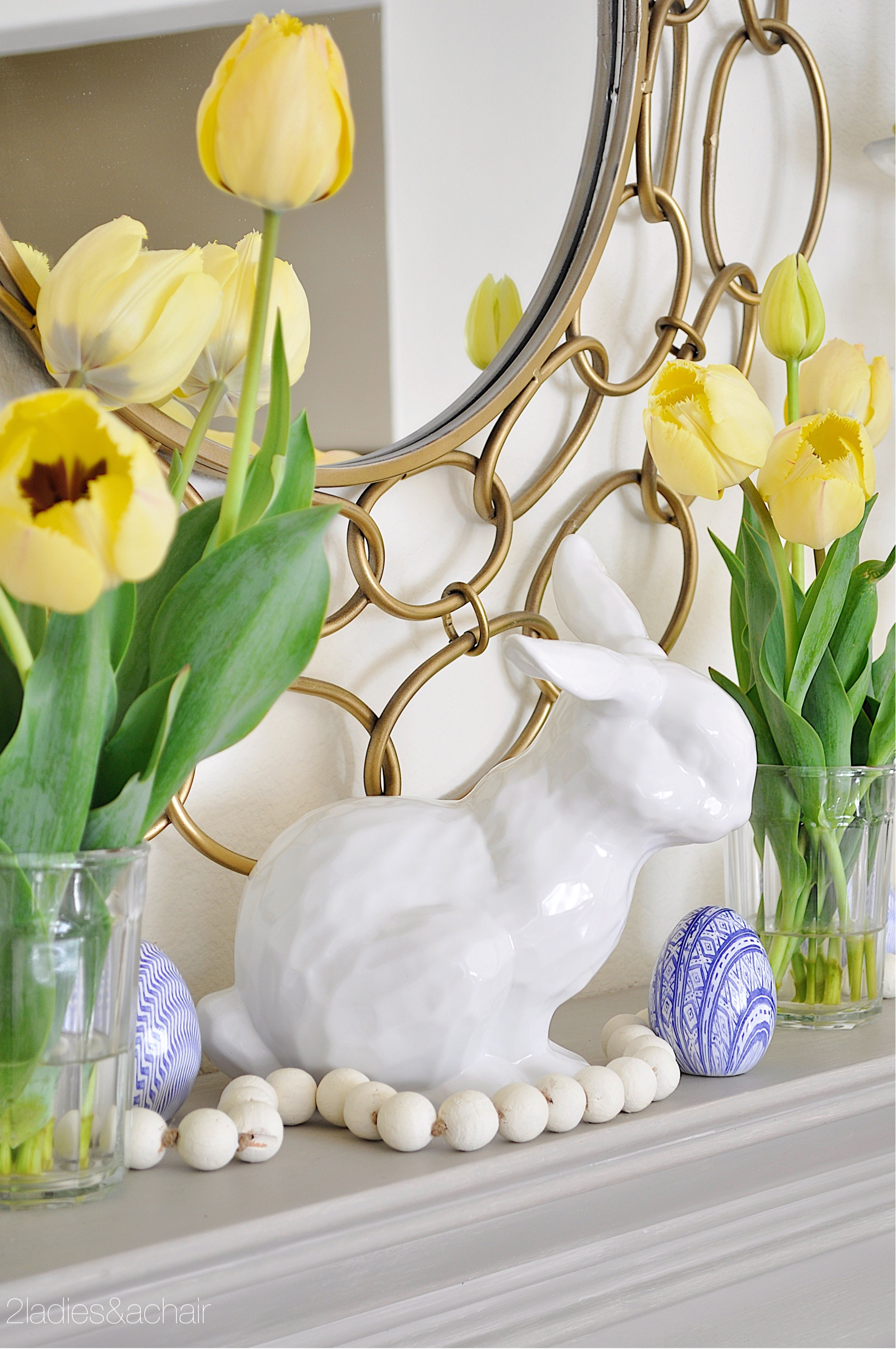 easter mantel decor IMG_1893.JPG