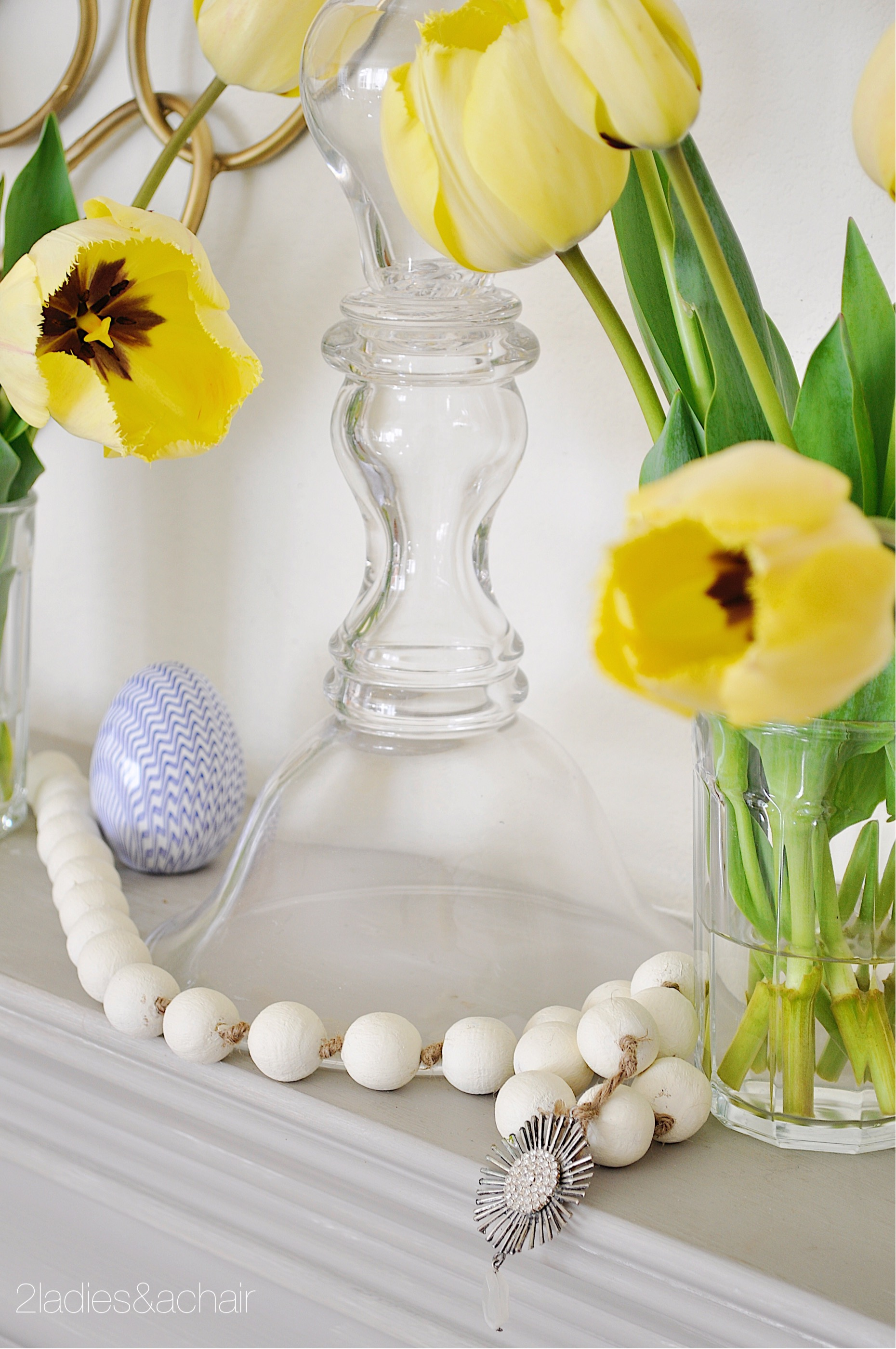 easter mantel decor IMG_1907.JPG