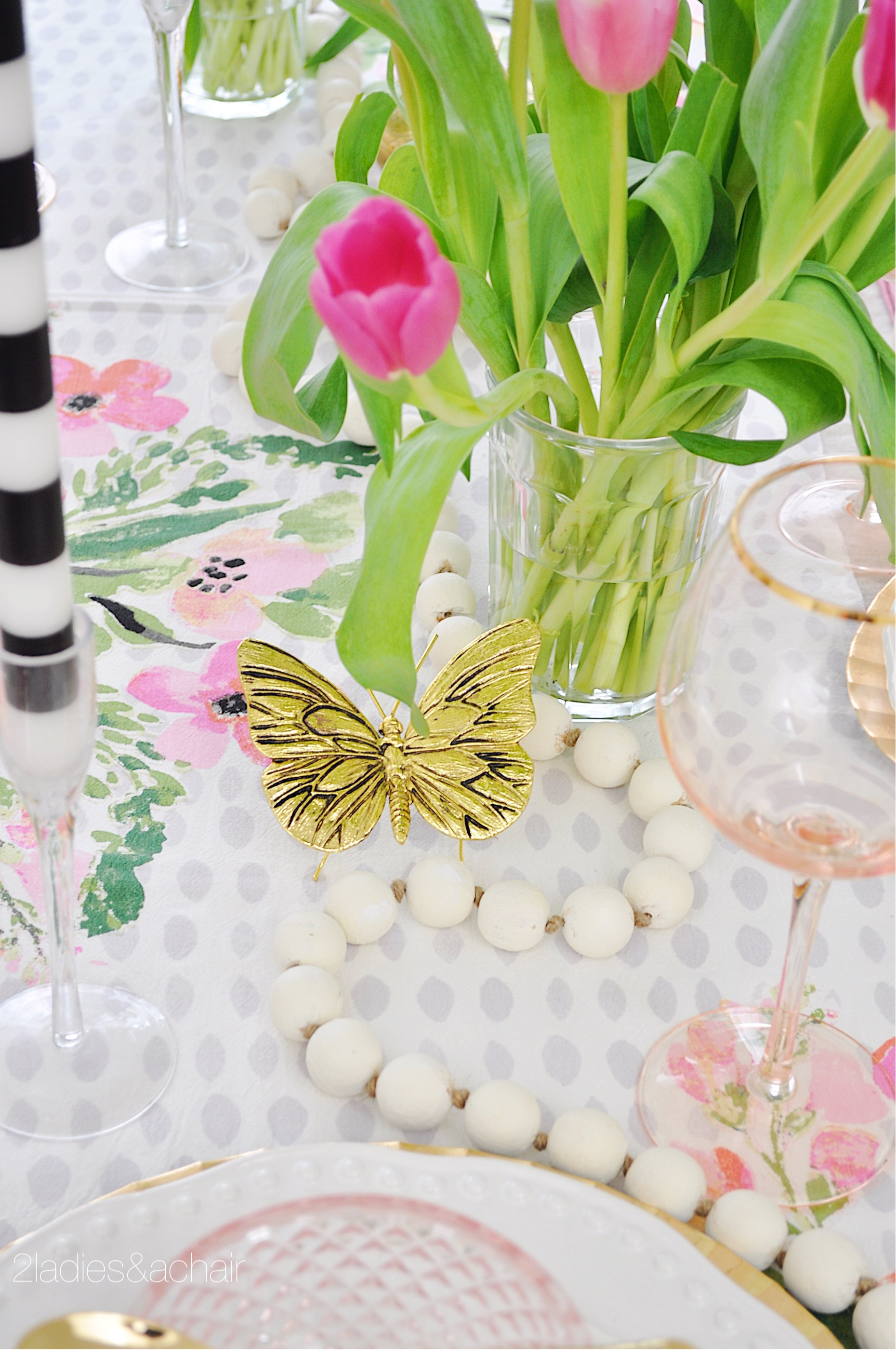 spring tablescape decor IMG_1930.JPG