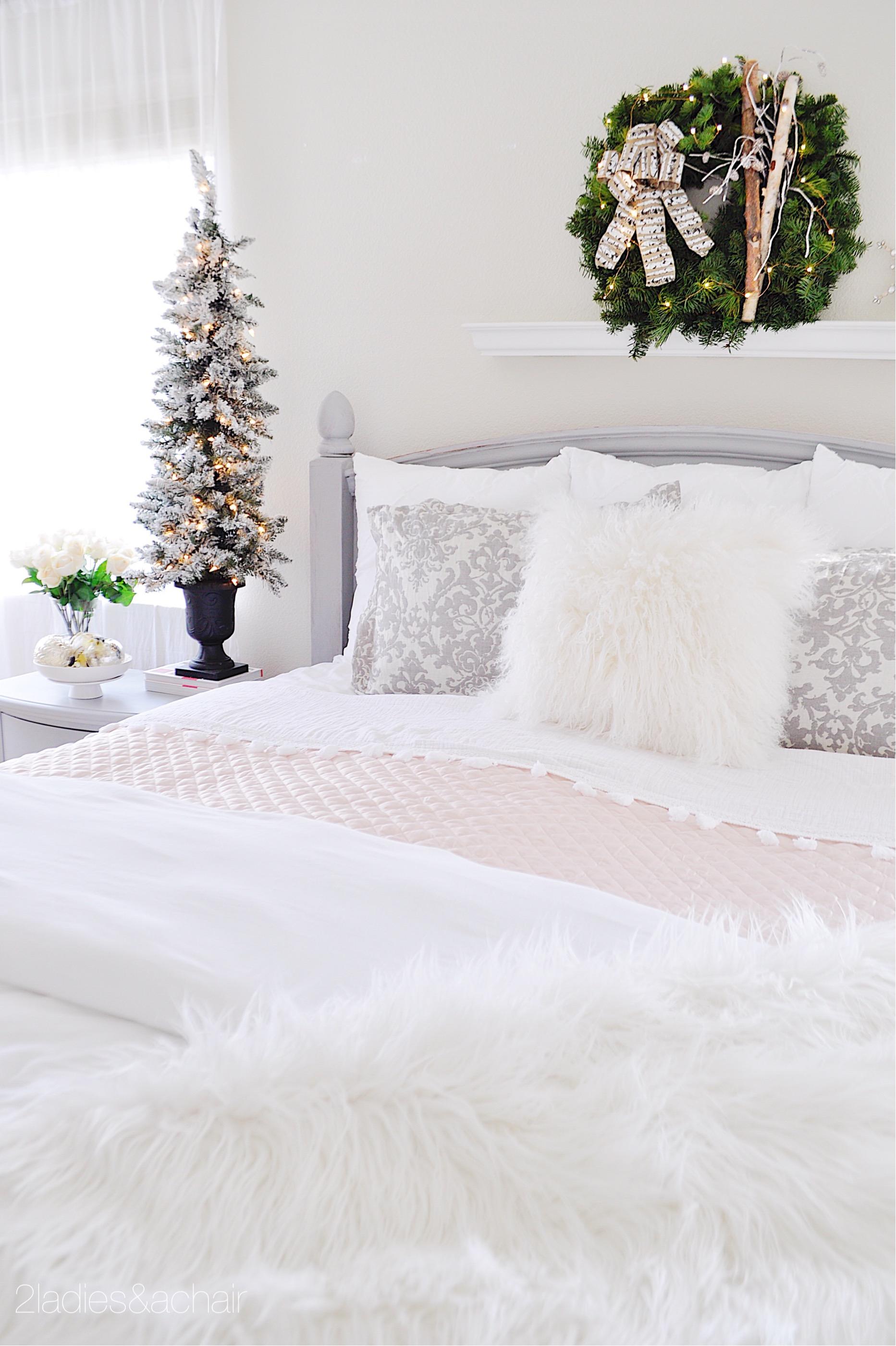 christmas bedroom decor IMG_9886.JPG