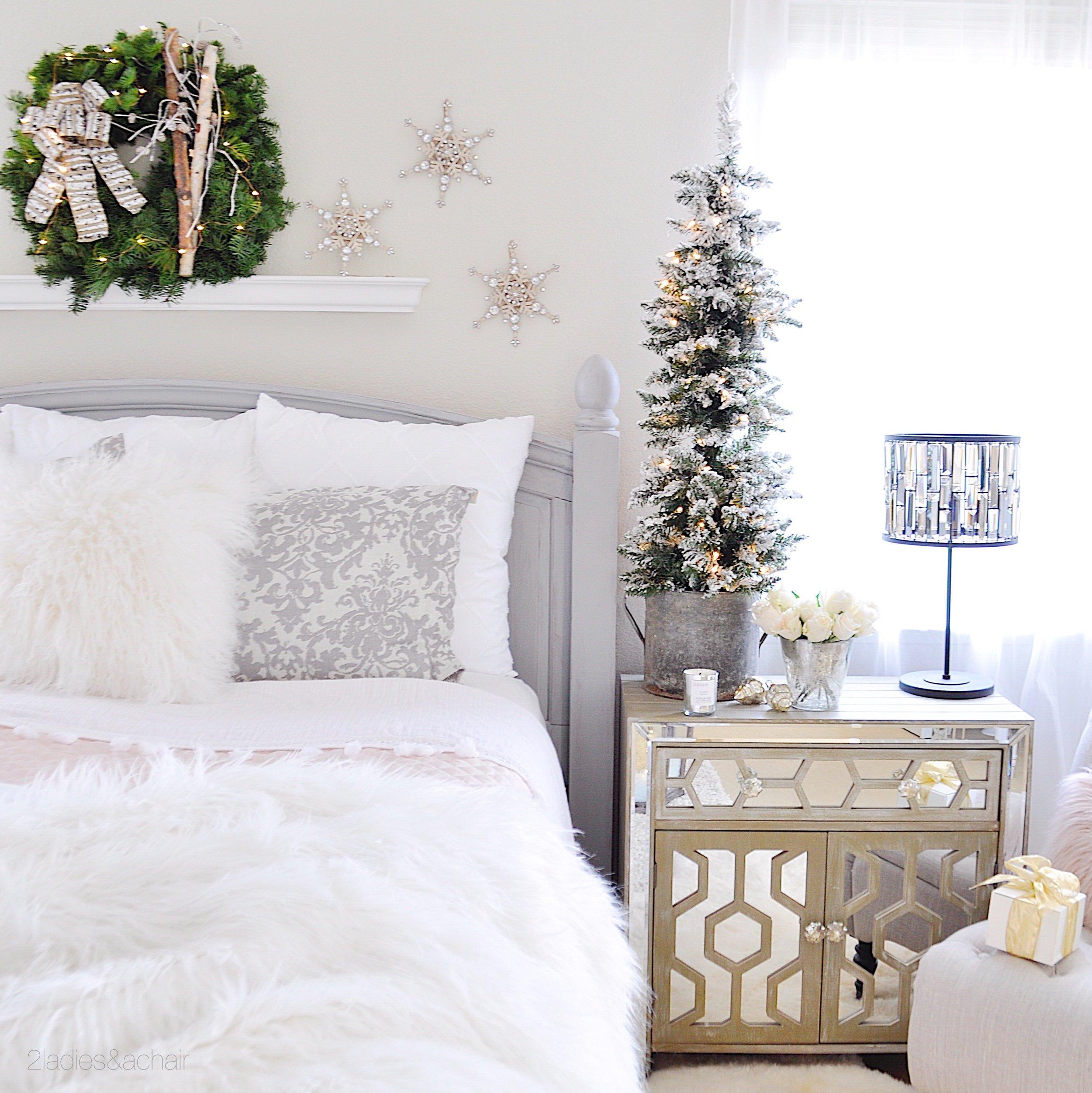 christmas bedroom decor IMG_9861.JPG