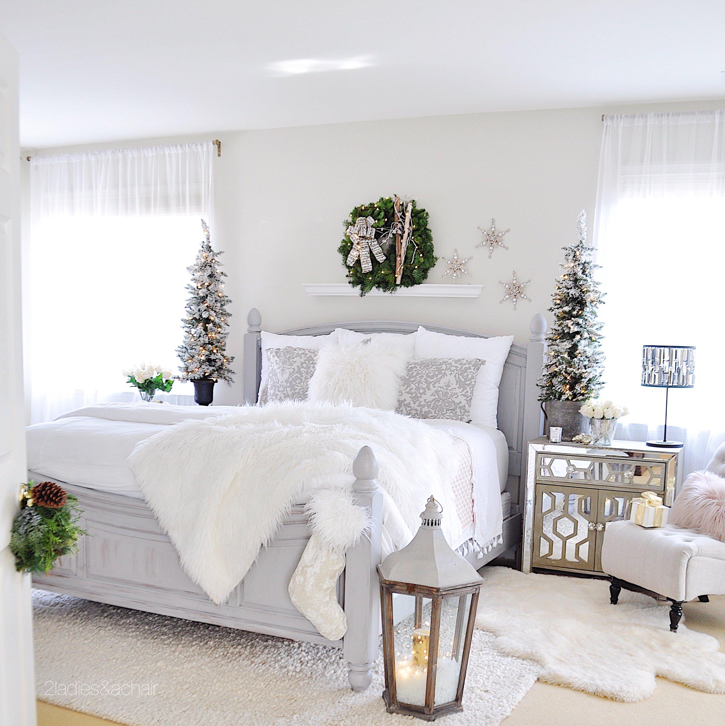 christmas bedroom decor IMG_9863.JPG