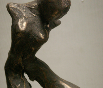 March 2009:  Caroline Bergonzi steps into the world of wax sculpture and Bronze casting