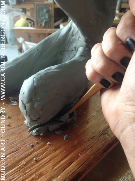 3-Caroline-Bergonzi-Modern-Art-making2.jpg