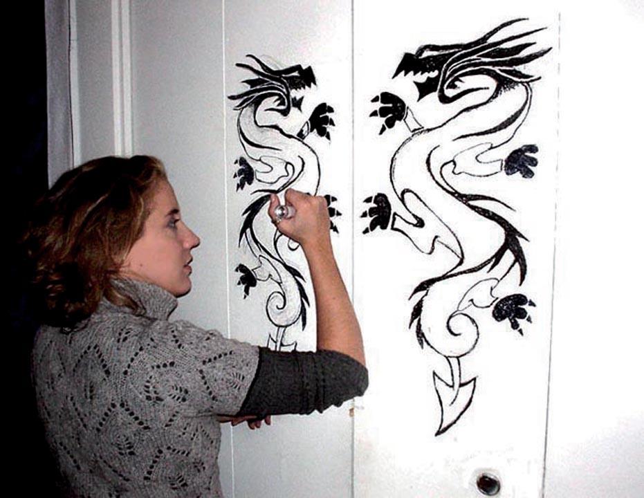 caroline_bergonzi_mural_dragon-web.jpg