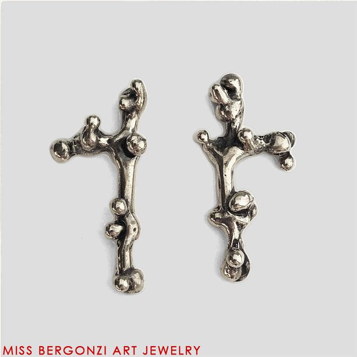 MED_earrings_1_Silver-Web.jpg