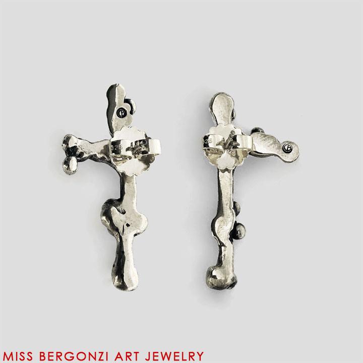 MED_earrings_2_Silver-Web.jpg
