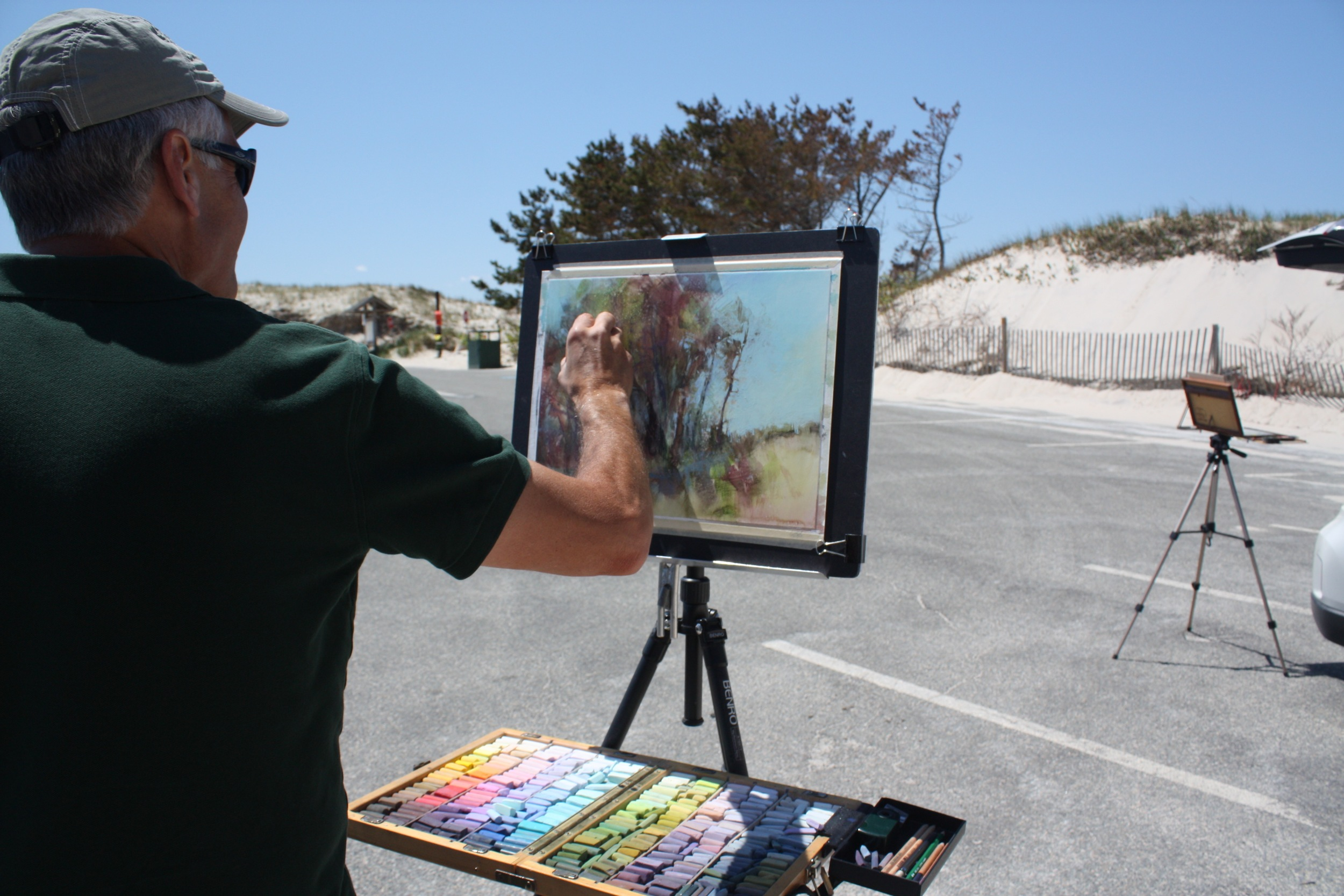 Richard McKinley paints for a workshop group through Gallery 31 Fine Art on Cape Cod.