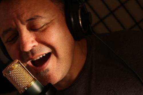 """CARLOS MARGUÍA - MUSICO COMPOSITOR PRODUCTOR - Carlos Murguía ha estado rodeado por la música desde el primer día de su vida. Hijo de padres músicos creciendo así con un alto nivel de musicalidad en su casa. Cantar o tocar un instrumento siempre fue tan normal como ir a la escuela, música clásica, Jazz y Pop/R&B se tocaba todo el tiempo.Durante su exitosa carrera de grabaciones en la Ciudad de México con la disquera RCA y la banda """"Tabasco"""" surgió la oportunidad de radicar en Los Estados Unidos de Norte América y en 1990 se integró a la banda """"The Art of Sax"""" participando en numerosos festivales de Jazz atraves de la Unión Americana grabando así 2 albums antes de separarse de la banda en 1998. Más de 21 composiciones han sido colocadas con artistas Latinoamericanos como Cristian Castro, Yuri, Flans, Camila y muchas más en los principales sellos discográficos. Actualmente Carlos es co-escritor para la banda Camila Single de Platino """"De Venus"""" de su Grammy en el 2014 con el album Elipse de Sony Records el cual alcanzó el número uno en las listas de popularidad en México y el resto de América Latina."""