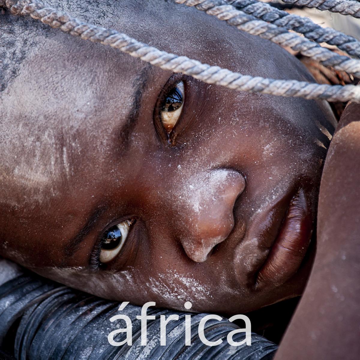 Fotografia culturas africa.jpg