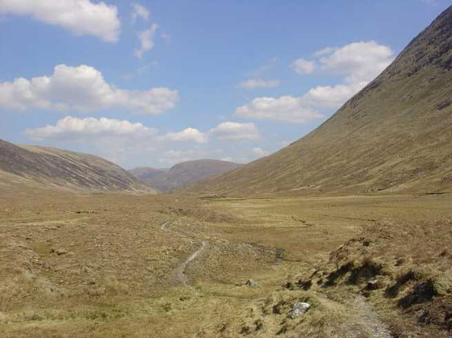 Gleann Fhiodhaig, Scotland. Source: https://commons.wikimedia.org/.