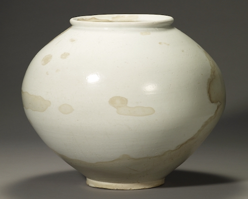 White porcelain moon jar. Cultural Heritage Administration of Korea, National Treasure of the Republic of Korea, no. 309. Source: https://commons.wikimedia.org/