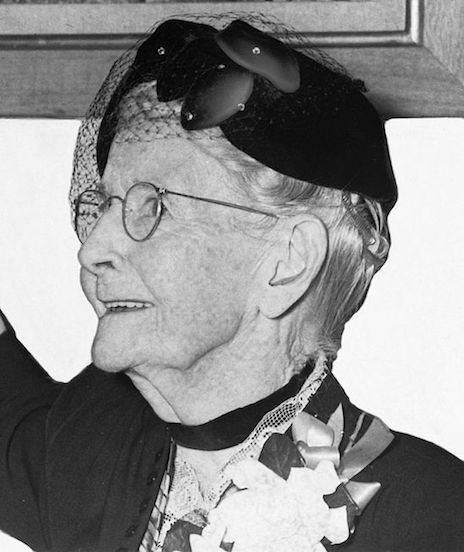 Anna Mary Robertson Moses (1952). Photo by Roger Higgins.  Source:  https://commons.wikimedia.org/