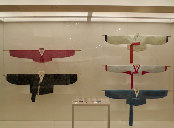 Reconstruction of women's jackets  (jeogori ) from   Joseon Dynasty   (1392-1897).