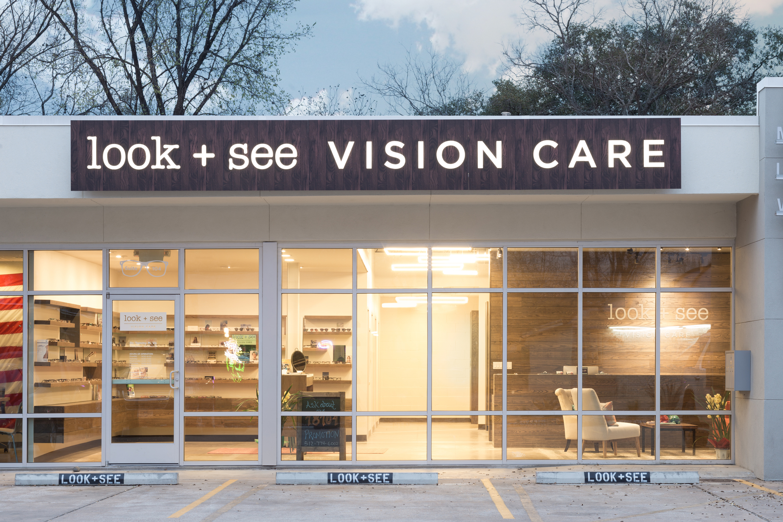 2015_0430 Matt Fajkus Architecture MF Look See Vision Care Optometry 21.jpg