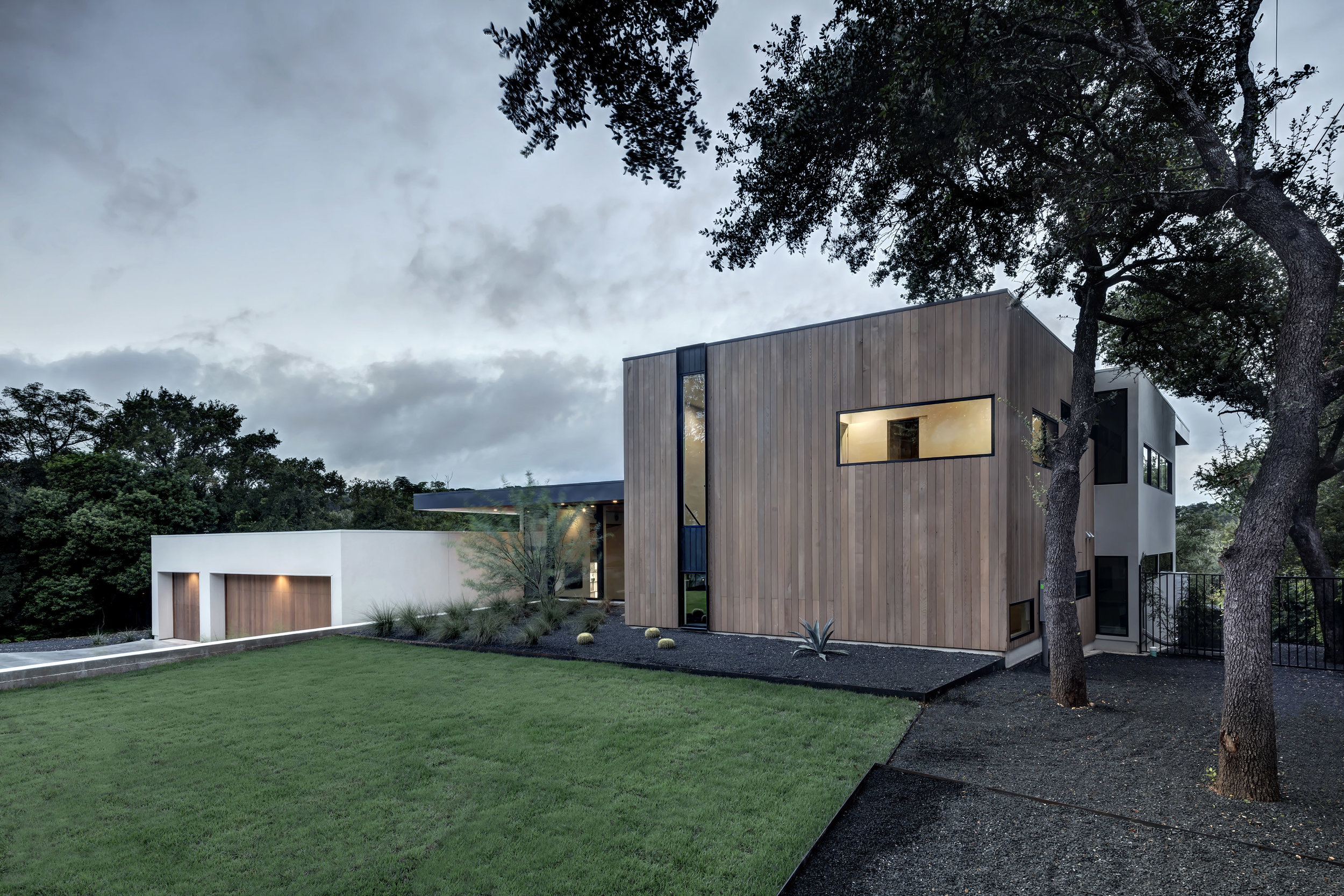 Matt Fajkus MF Architecture Bracketed Space House Photo 3 by Charles Davis Smith.jpg