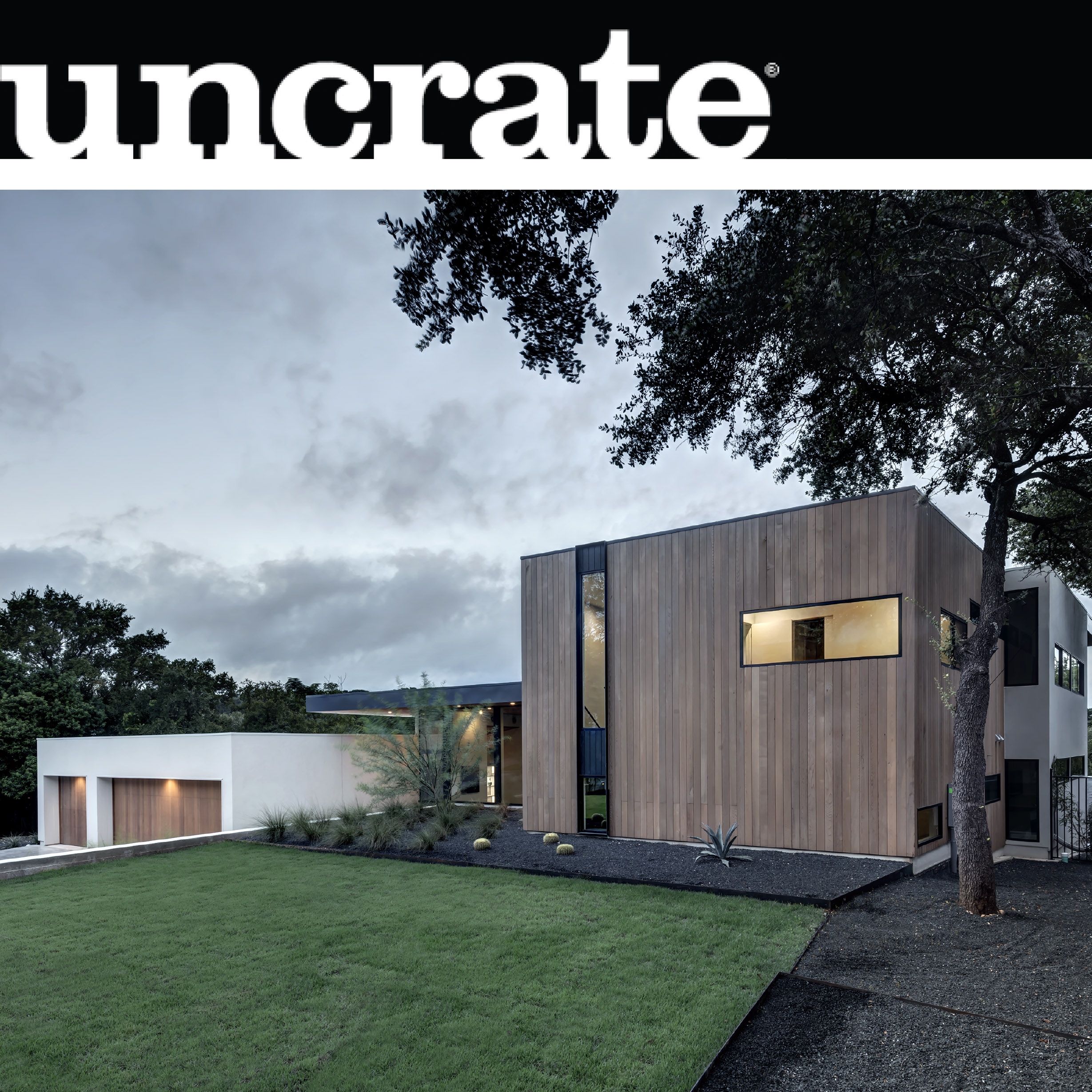Uncrate_2016_11_Bracketed Space House