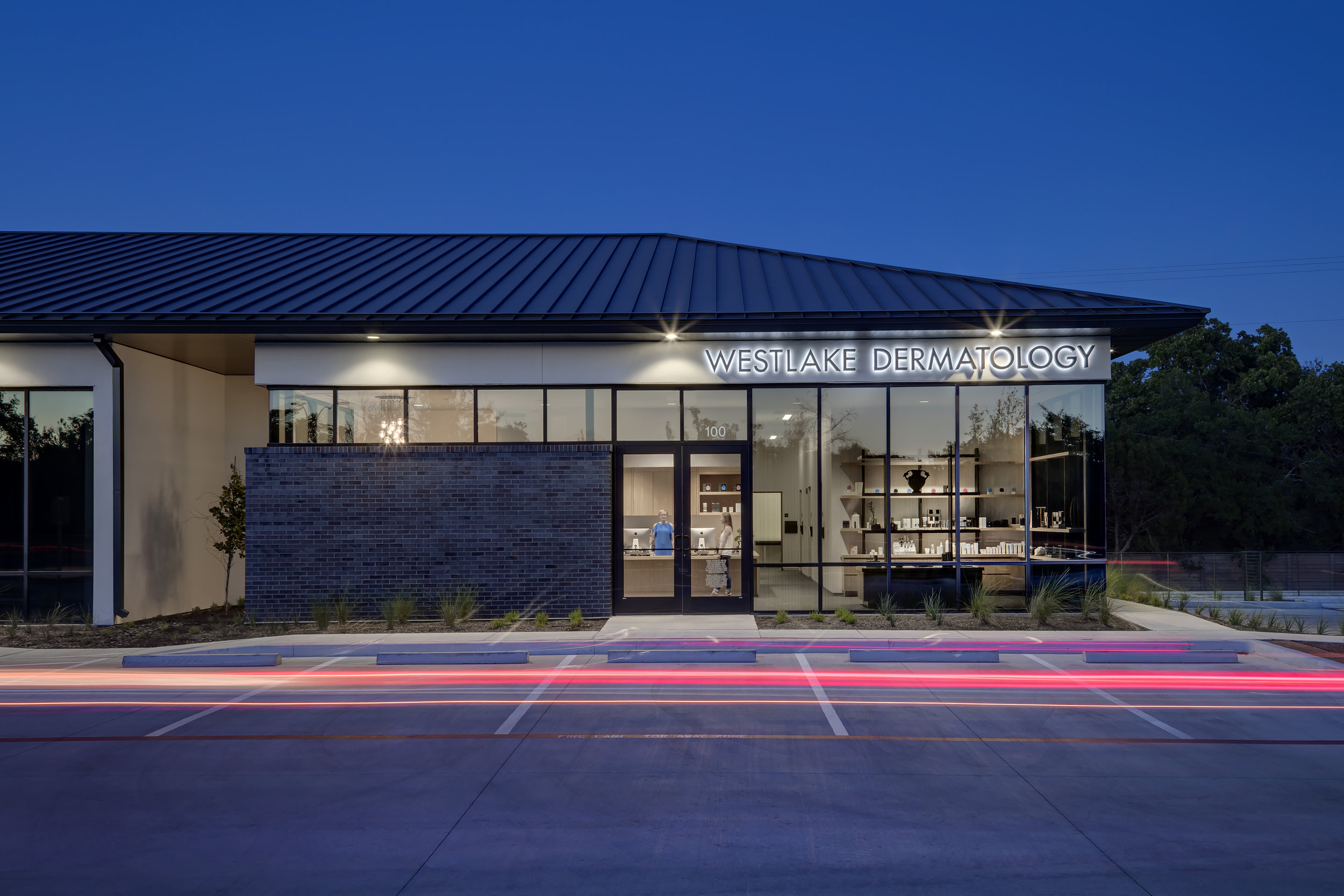 Westlake Dermatology Cedar Park by Matt Fajkus Architecture_exterior photo 3 by Charles Davis Smith.jpg