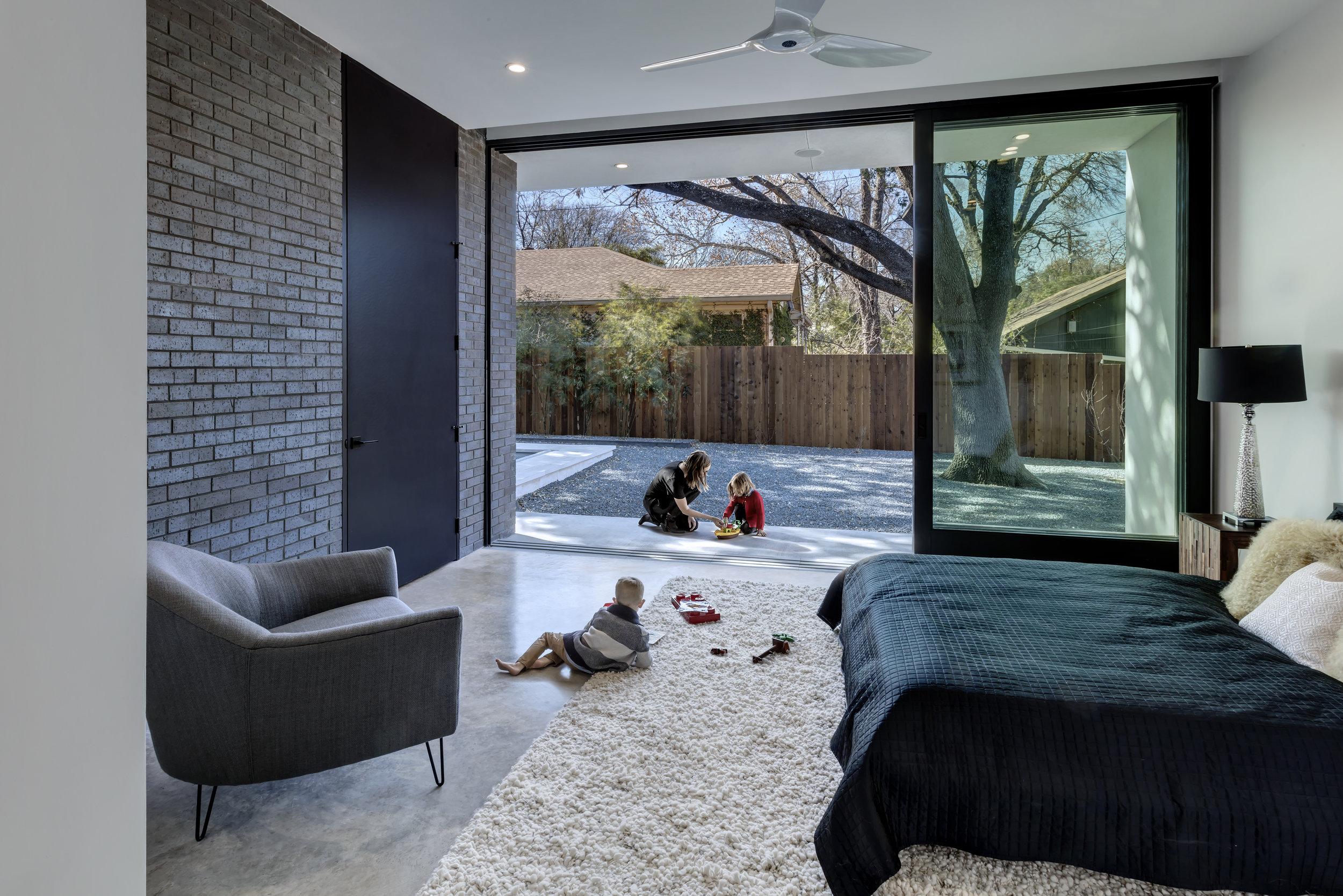 02 Master Bedroom_Main Stay House by Matt Fajkus Architecture_Photo 1 by Charles Davis Smith.jpg