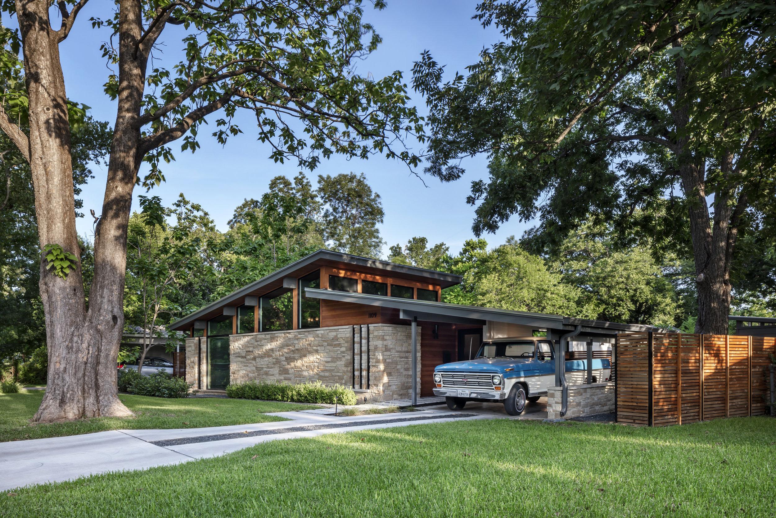 01 Re-Open House by Matt Fajkus Architecture - Photo by Charles Davis Smith.jpg