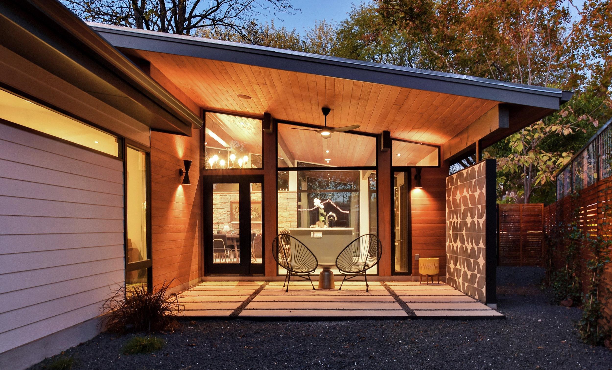 18 Re-Open House by Matt Fajkus Architecture - Photo by Charles Davis Smith.jpg
