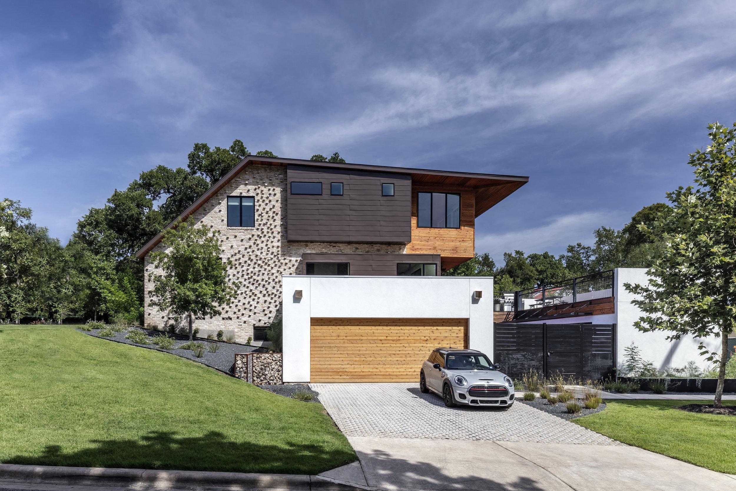 19 Mullet House by Matt Fajkus Architecture. Photo by Charles Davis Smith.jpg