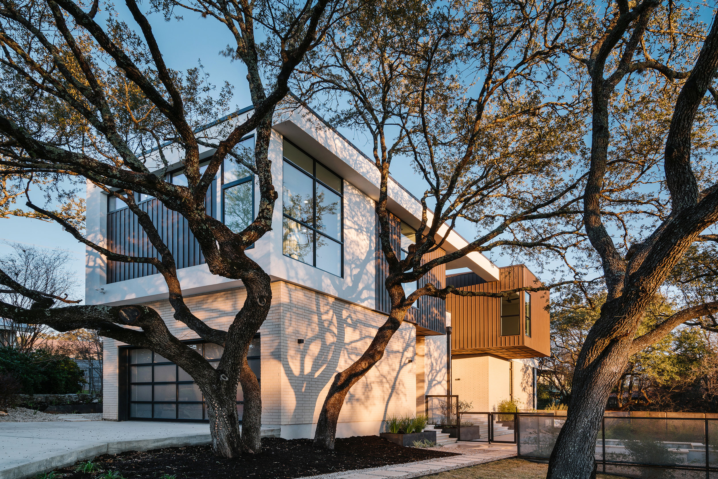 4 Allotted Space House by Matt Fajkus Architecture. Photo by Chase Daniel.jpg