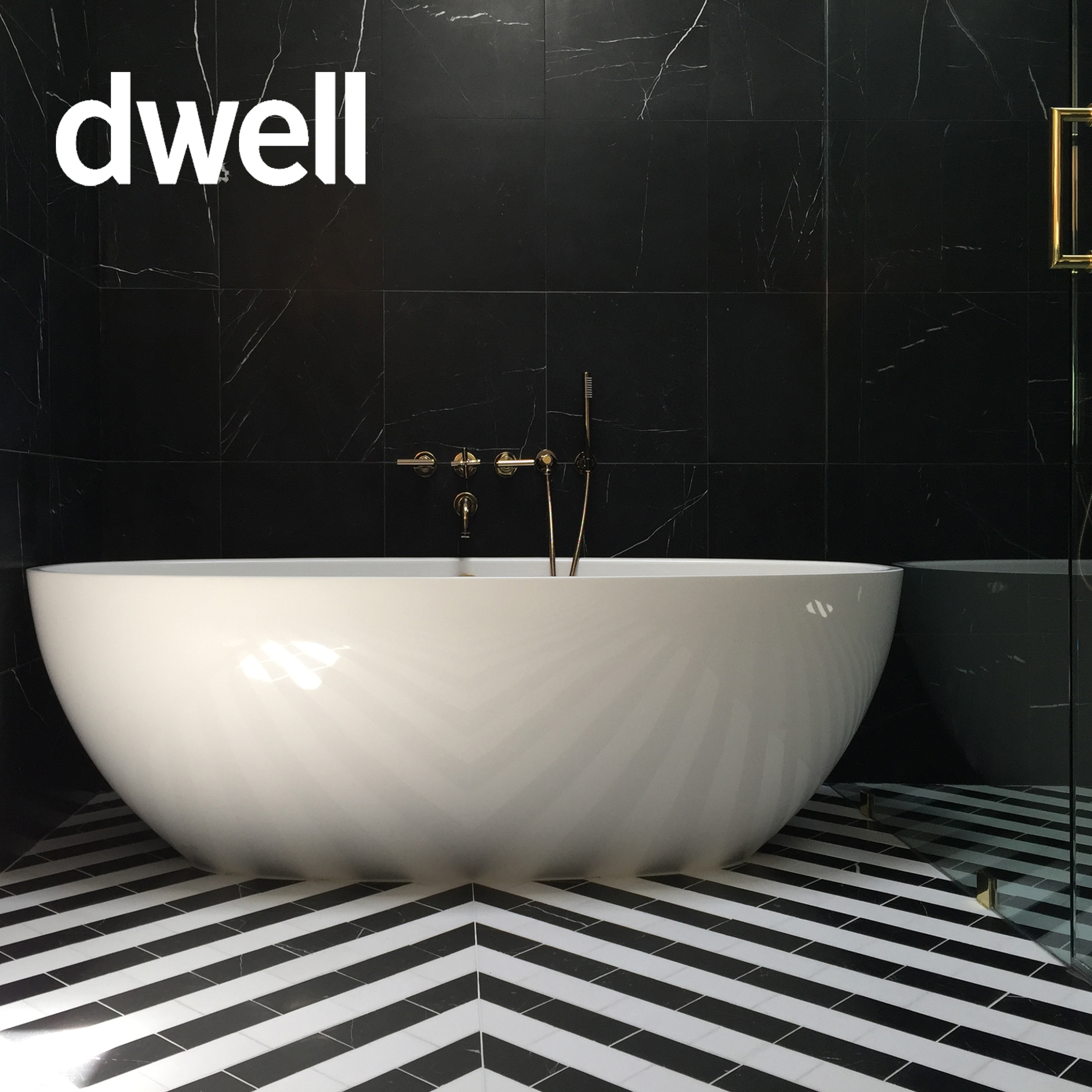 Dwell_2019_02_Binary Bathroom