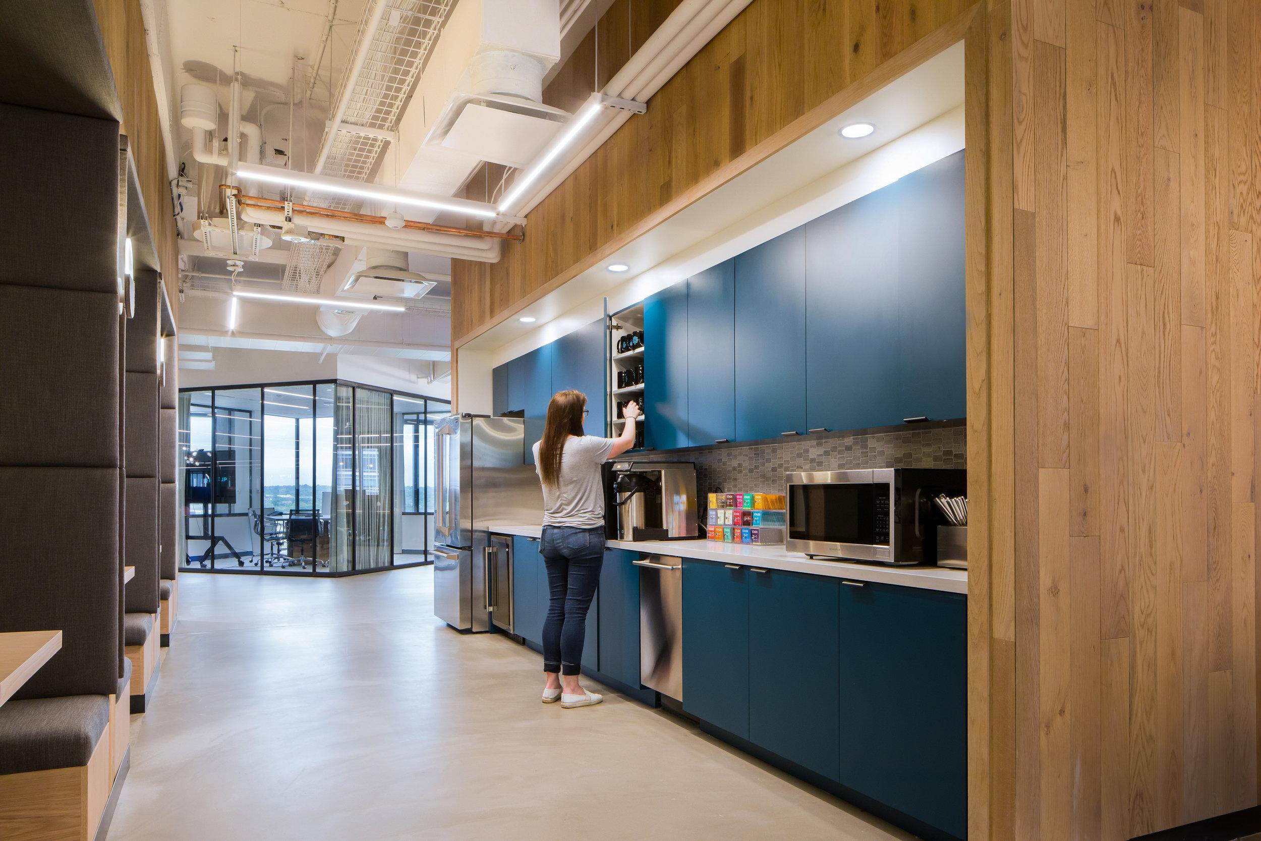 8 RigUp Office by Matt Fajkus Architecture. Photo by Hua Liu and Rachel Deng.jpg