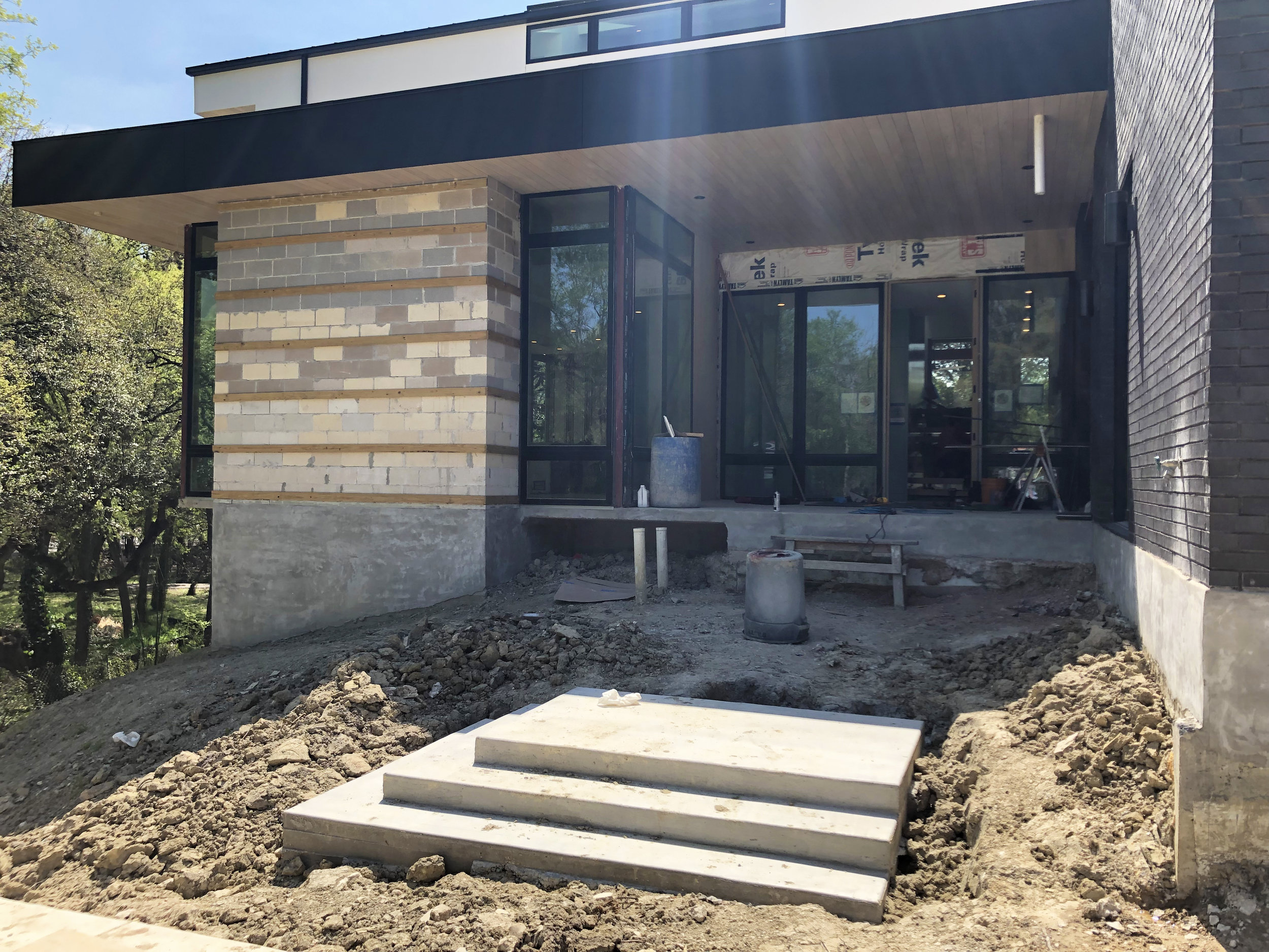 Descendant House by Matt Fajkus Architecture. Construction 23.jpg