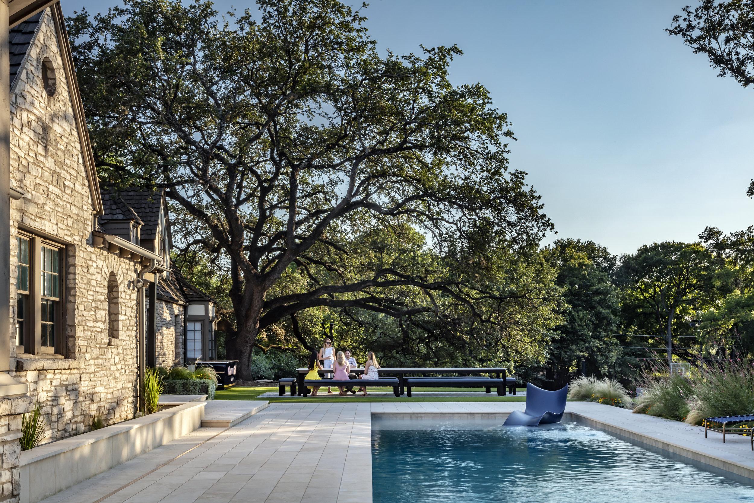 Slim House by Matt Fajkus Architecture. Photo 9 by Charles Davis Smith.jpg