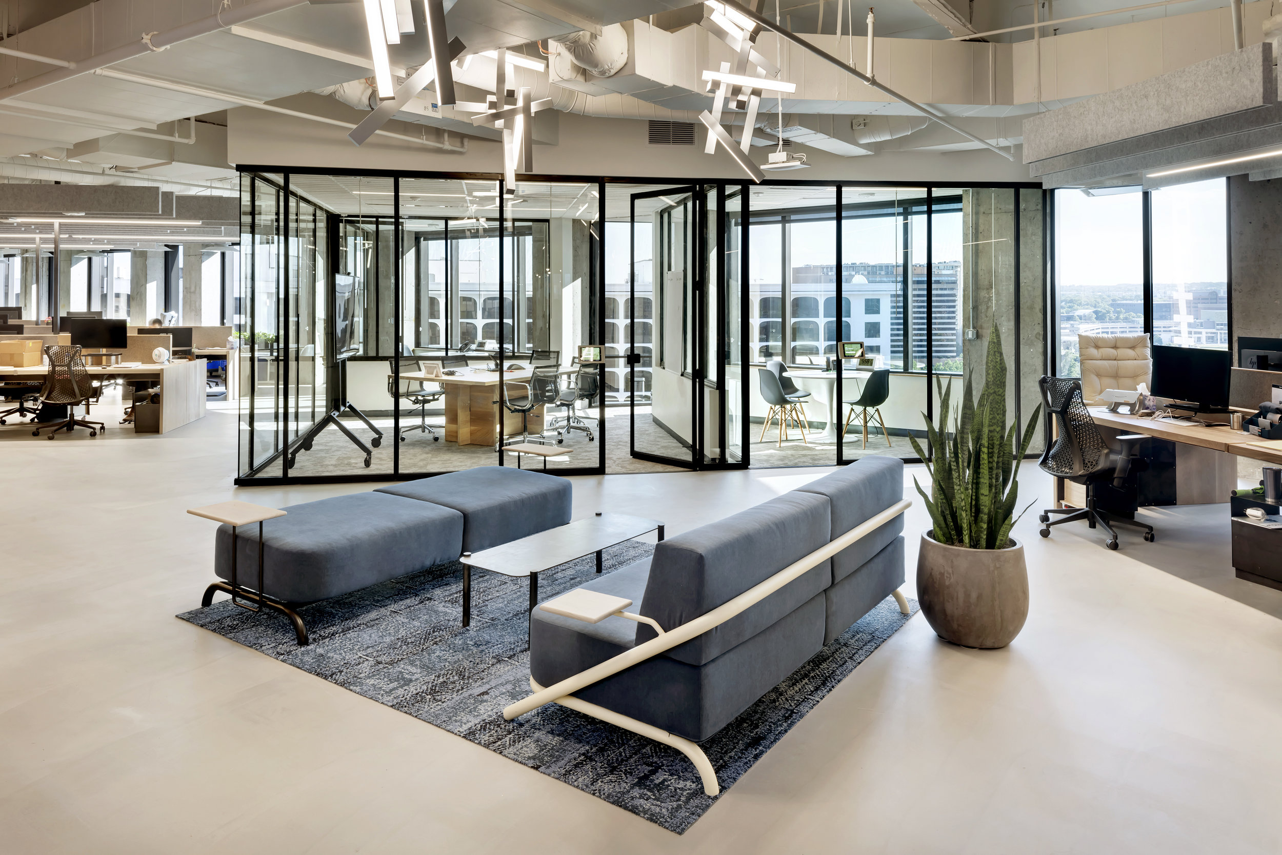 28 RigUp Office by Matt Fajkus Architecture. Photo by Charles Davis Smith.jpg