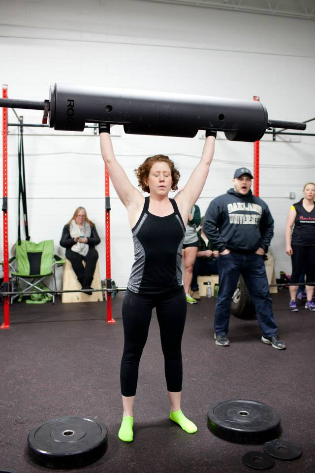 Strawberries 'n' Scream lifting in the BeYon Strong Strongwoman Contest, February 2015