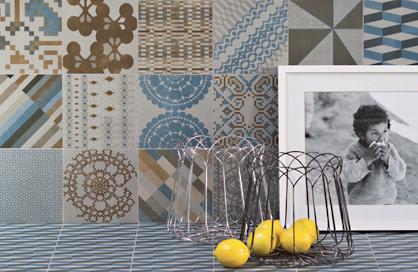mosaïque dosseret beige gris bleu cuivré cuisine soligo laval montreal rosemere blainville
