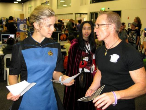 Oz Comic con March 2013   Chatting to fellow fans at Oz Comic con, keen to know more about Starship Mawson. Pop Culture conventions are great for enhancing awareness about our group in the greater community!