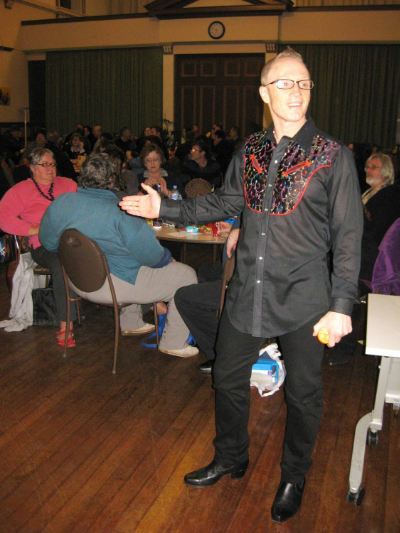 August 8 to 10 Our National Club Convention featured our 8th annual general knowledge quiznight and pictured here is Starship Mawson president - Stu Blair, welcoming our sellout attendance to another fun event!
