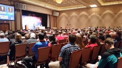 The secondary theatre at the Star Trek convention featured actors and authors and was standing room only with thousands of fans from around the world in attendance!