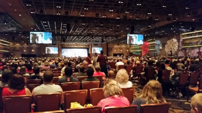 The main auditorium at the 50th Anniversary of Star Trek Convention in Las Vegas seats 6000 fans at what a fantastic atmosphere it was
