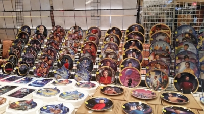 Plates, and more plates.. What ever design, it is here!