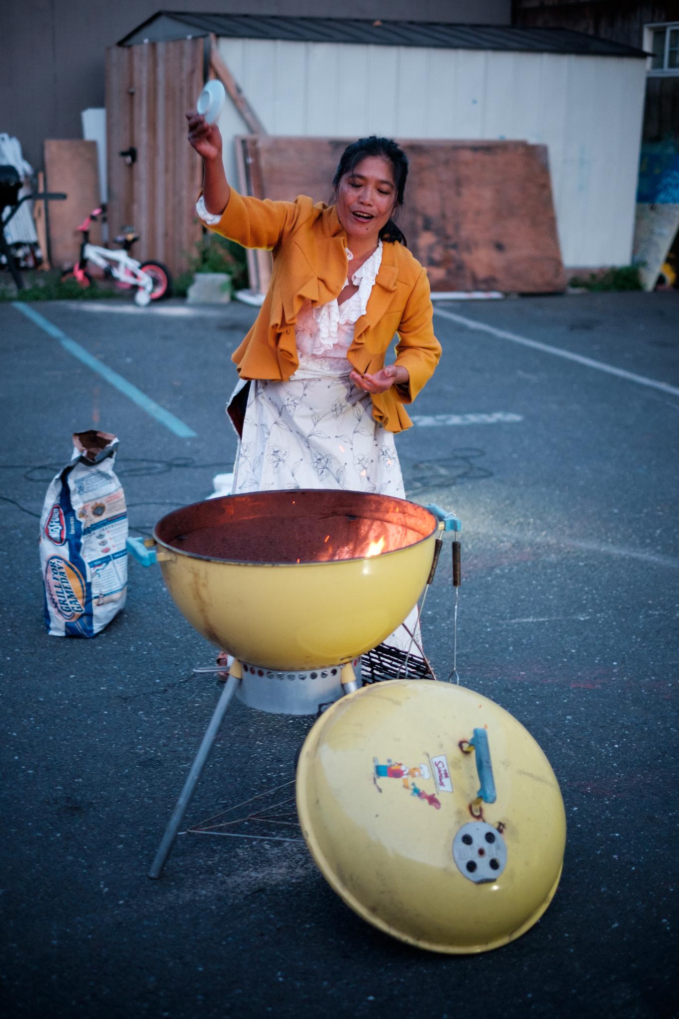 Pearl Ubungen in ESCC parking lot, photo by Scott Tsuchitani (click to enlarge)