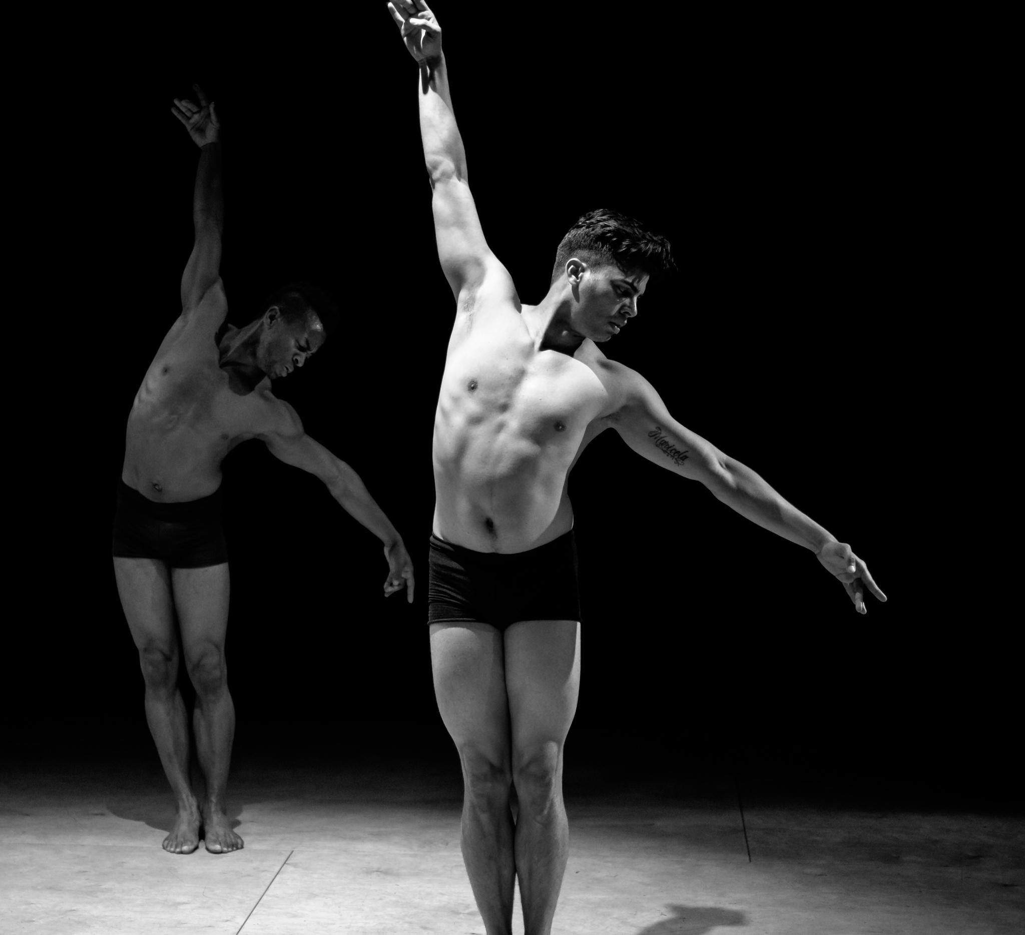 Alayo Dance Company, photo by Scott Tsuchitani (click to enlarge)