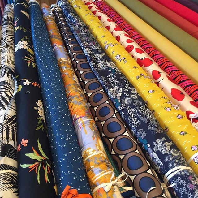 Reminder that we have an ONLINE ONLY sale starting Friday! All fabric, supplies, and patterns will be 20% off. Don't miss it! Use code ANNIVERSARY20 at checkout. . . . . #boltfabricboutique #fabricsale #boltfabric #boltfabricpdx #fabricshop #portlandfabricshop #modernfabric #pdxsews #portlandsewing #pdxnow #sewingclasses #sewingworkshop #pdxfabric #modernsewist #sewistsofinstagram #slowsewing #sewyourown #sewinglove #sewinginspiration #handmadewardrobe #memade #memadewardrobe #memadeeveryday #imakemyownclothes #diyfashion #diywardrobe #fabricstore #learntosew #craftworkshop #cullyneighborhood