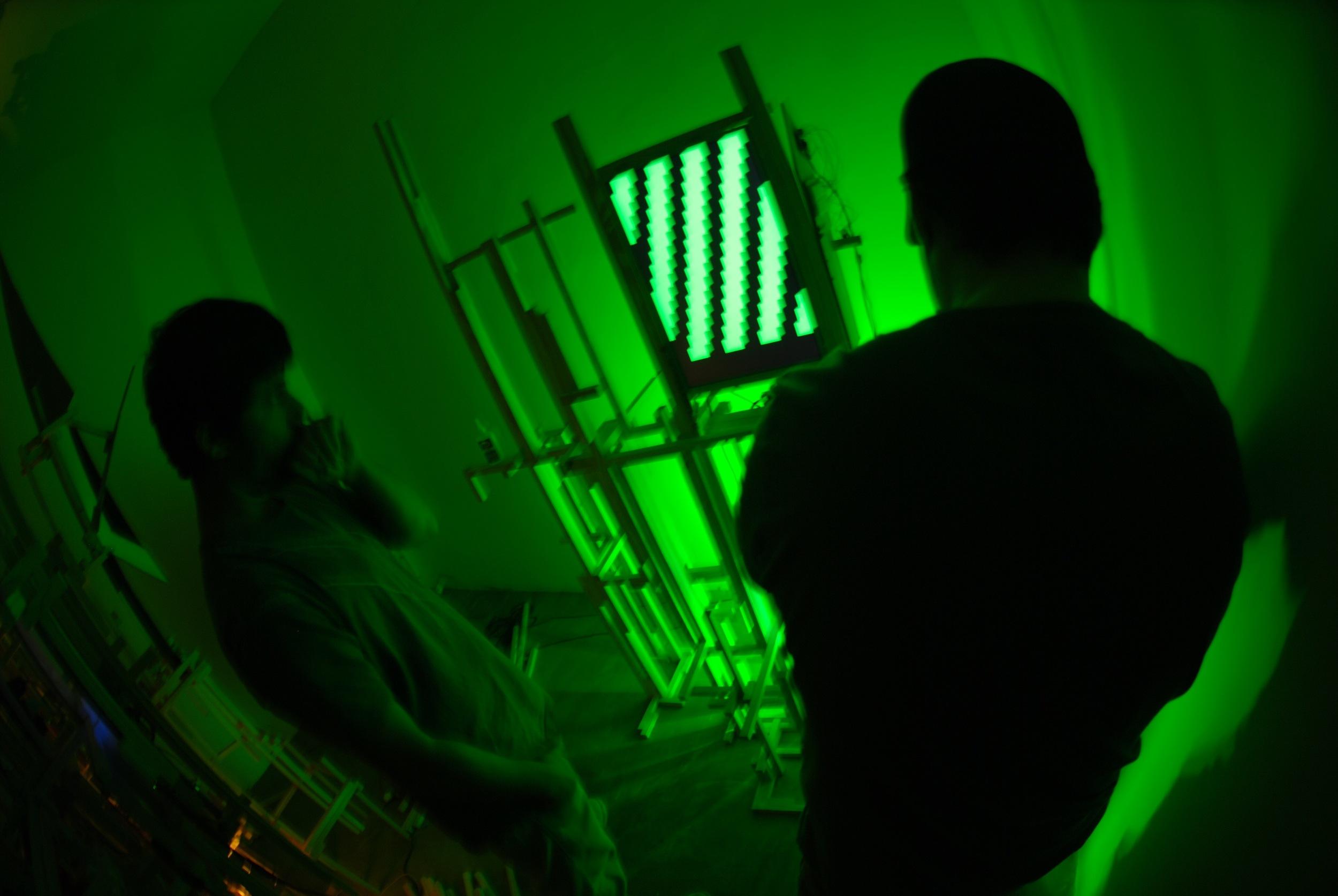 Montagem da Exposição na AmareloNegro - 030.jpg