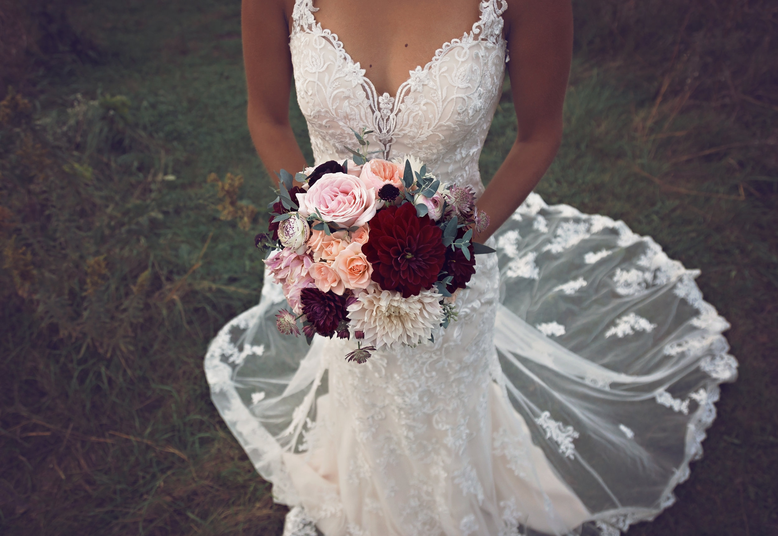 MINNESOTA WEDDING PHOTOGRAPHER   BLOOMING CREATIONS    INSPIRE BRIDAL BOUTIQUE   INTUITION WEDDINGS BY ID PHOTOGRAPHY