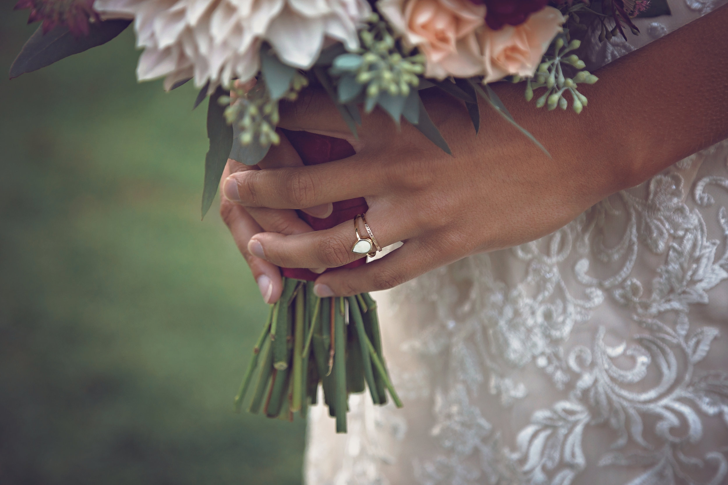 MINNESOTA WEDDING PHOTOGRAPHER   l. sHOFF   INSPIRE BRIDAL BOUTIQUE   INTUITION WEDDINGS BY ID PHOTOGRAPHY
