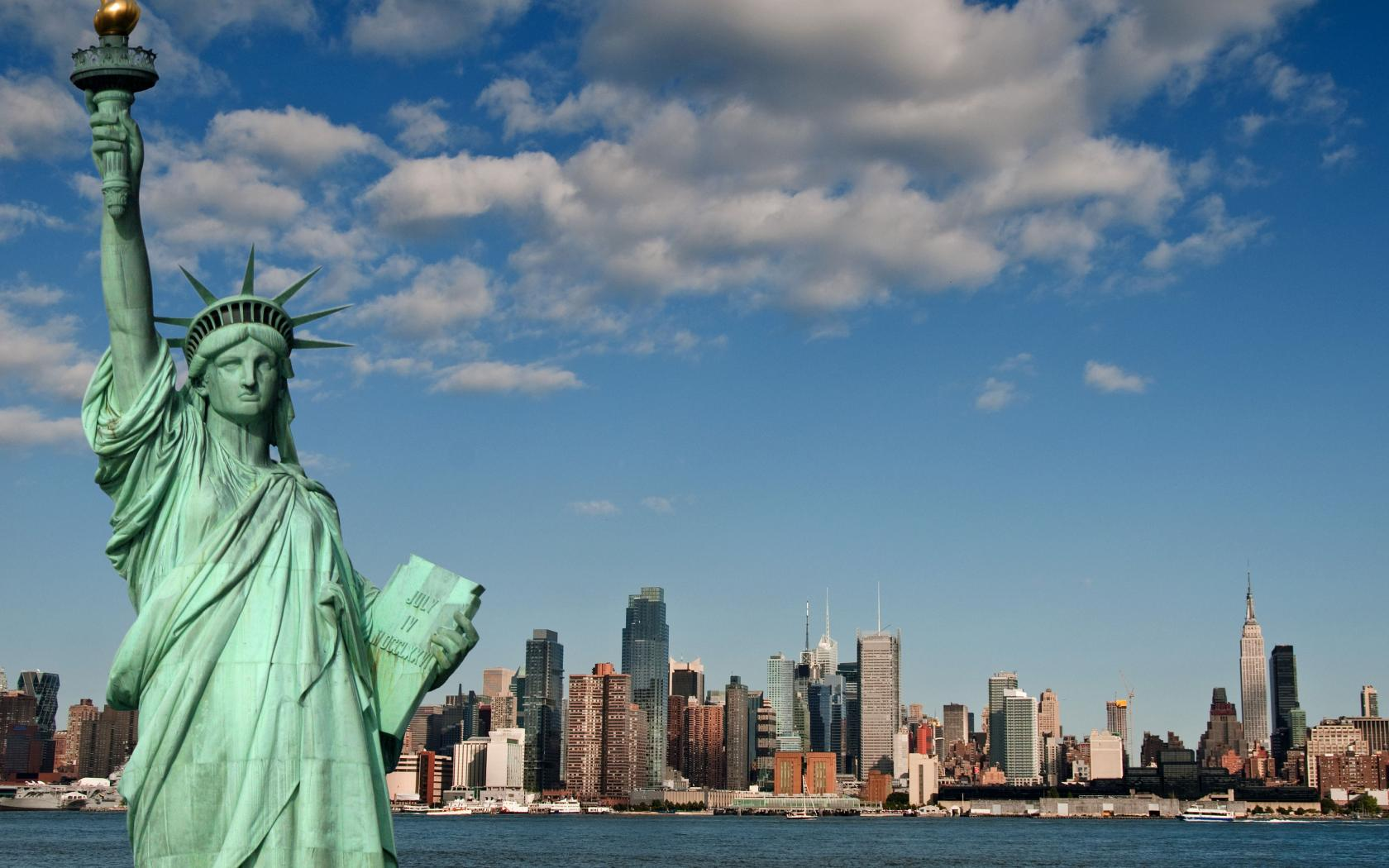 Statue-of-Liberty-in-New-York-City-United-States-1050x1680.jpg