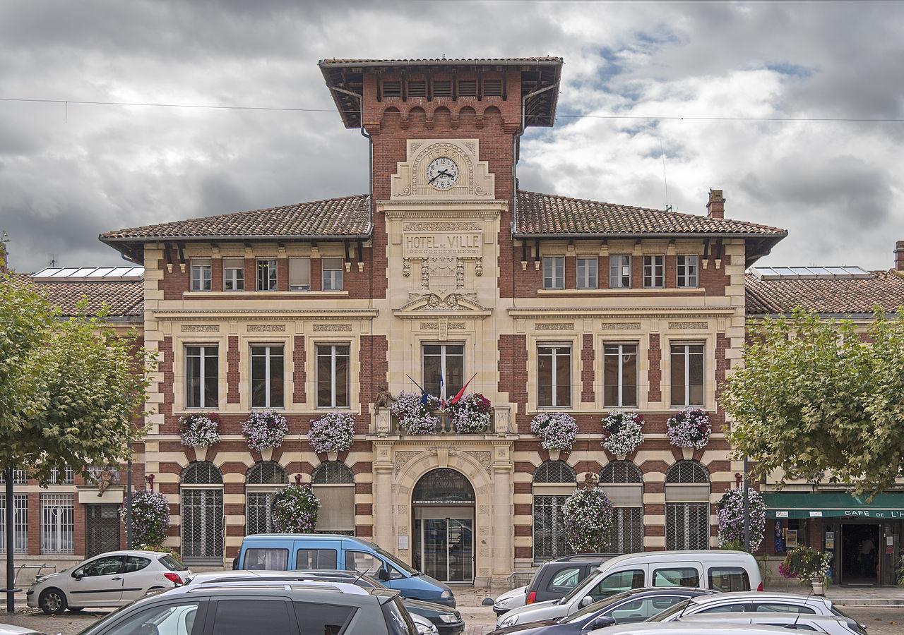 1280px-Villemur-sur-Tarn_La_Mairie_Facade.jpg