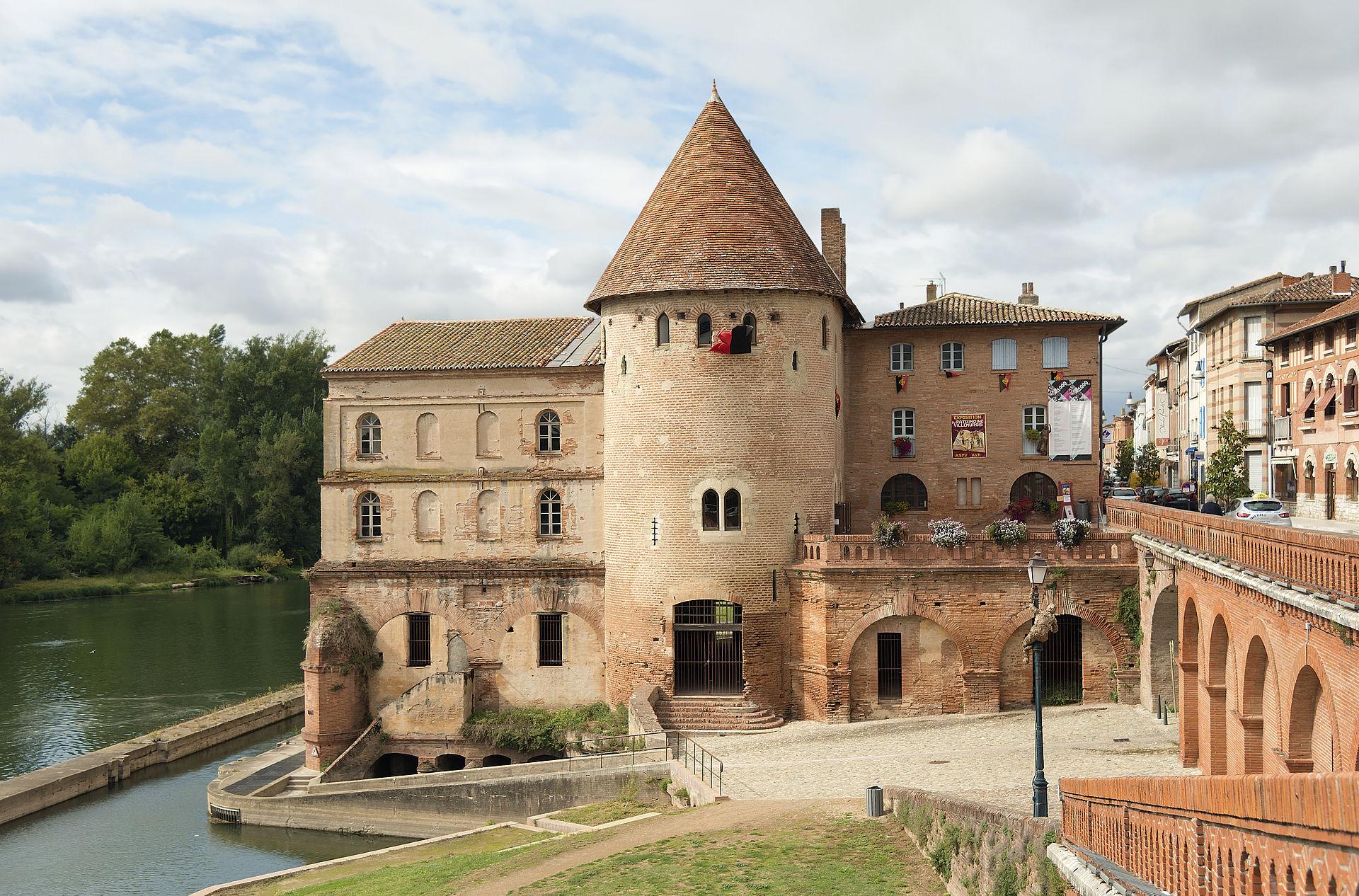 1920px-Tour_de_défense_de_Villemur-sur-Tarn.jpg