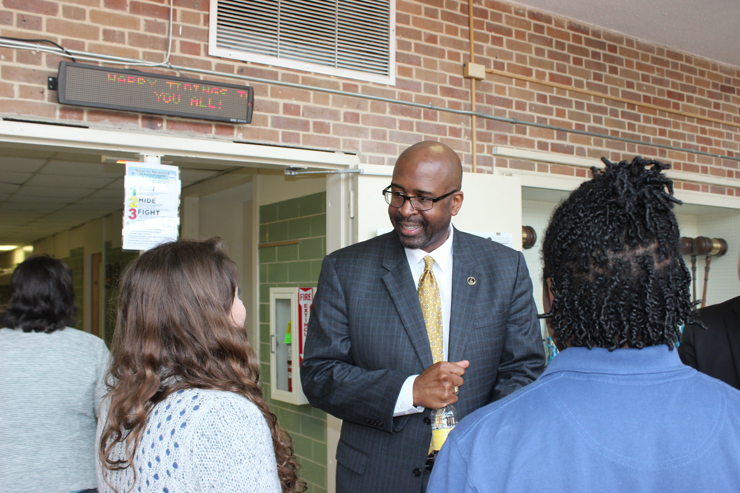University of Southern Mississippi president Dr. Rodney Bennett meets with MSMS students during a recent tour of the school.